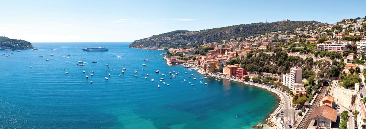 Praias mediterrâneas, cultura, elegância, clima agradável