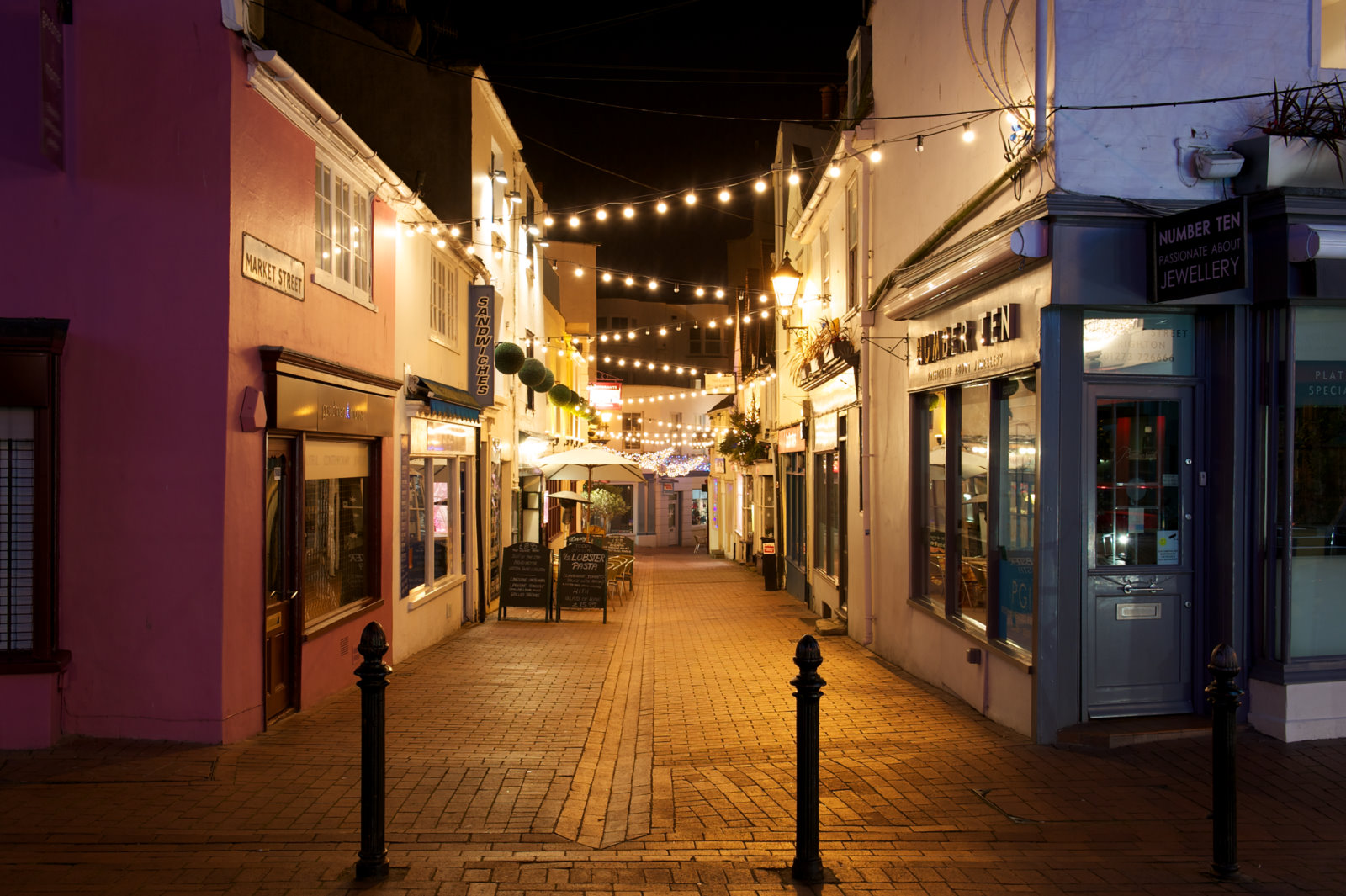 http://intranetpzl.com.br/expo-mundi/wp-content/uploads/2015/11/brighton-night-time-shots-lanes-001.jpg