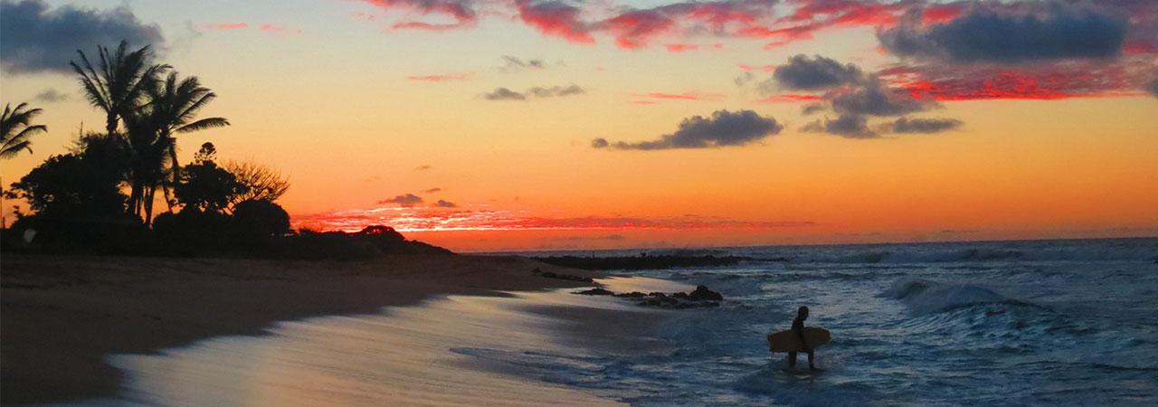 Aventuras ao ar livre, praias, clima caloroso e simpatia dos nativos